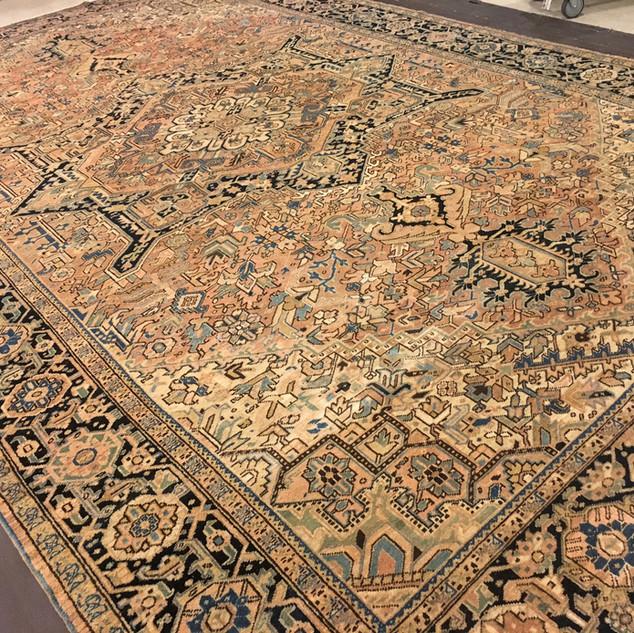 12486 Persian Heriz