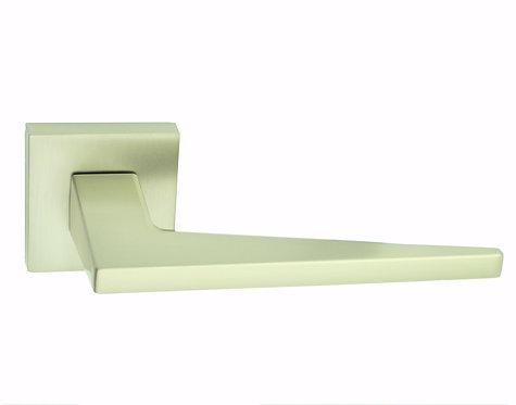 Ручка на розеткe RICH ART 306 R64
