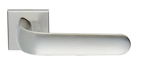 Ручка на розетке ILAVIO 2316