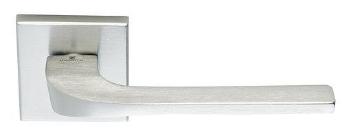 Ручка на розетке ILAVIO 2086