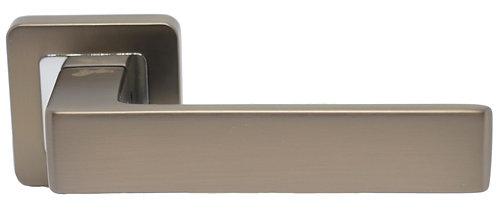 Ручка на розеткe SAFITA 659 R40