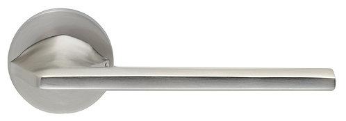 Ручка на розетке ILAVIO 2401