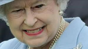 La Reina Isabel sería extraterreste