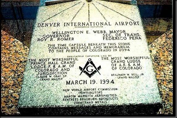 Placa Masónica en el aeropuerto de Denver