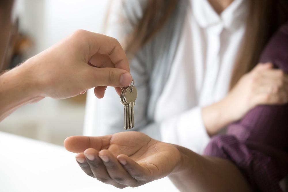 Property management company v/s Self-management | HORIZON Properties