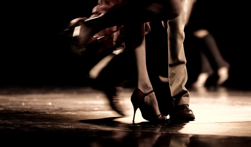 Dancing%2520Legs_edited_edited.jpg