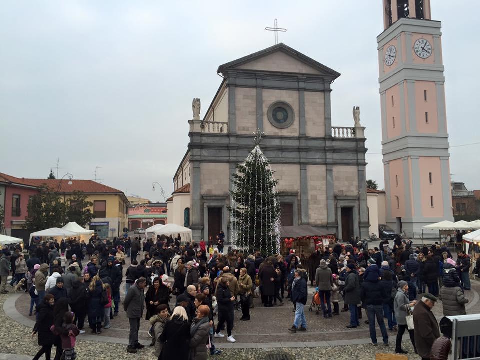 la piazza di Arconate Domenica 7 dicembre