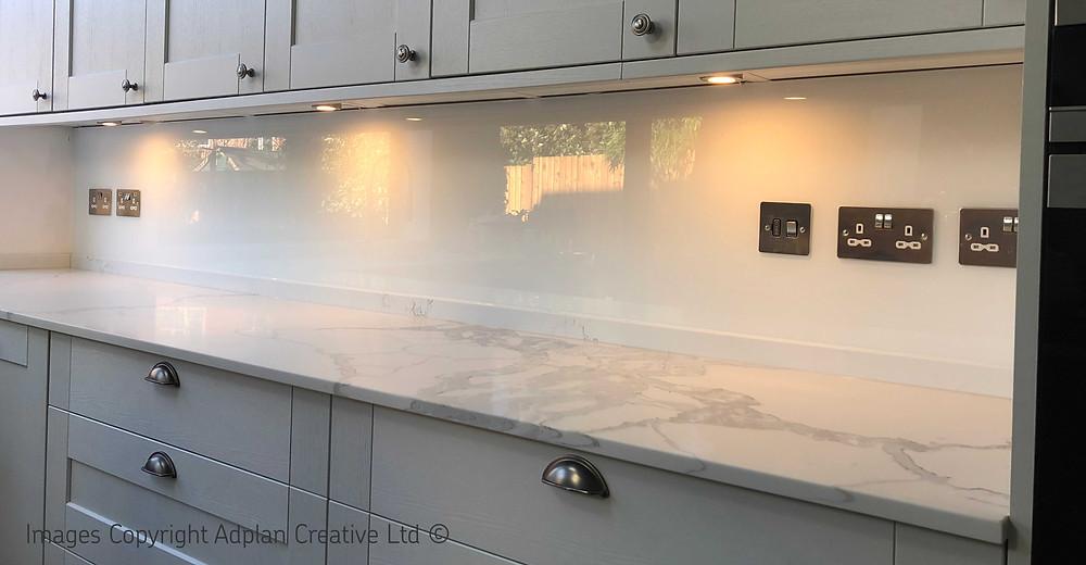 White Glass Splashback with Marble Worktop