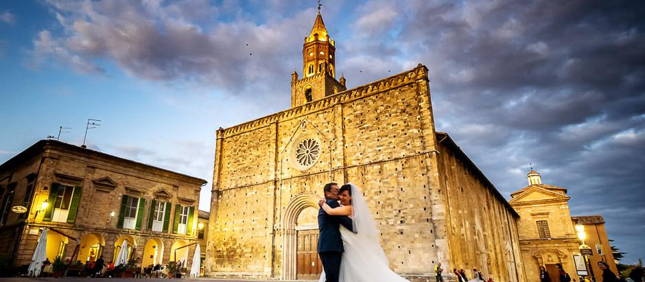 Matrimonio tra il centro storico di Atri e il mare di Silvi Marina.