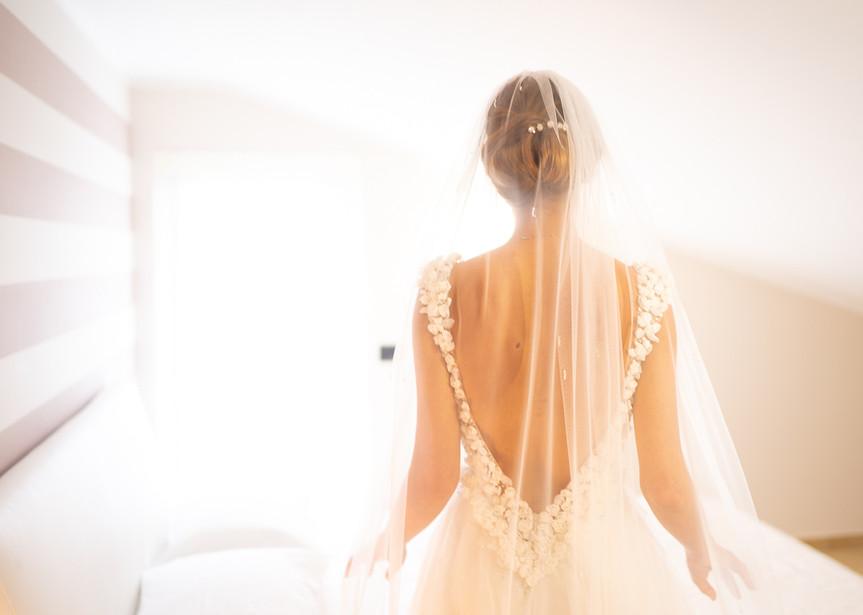 Spalline e velo Abito da sposa.jpg