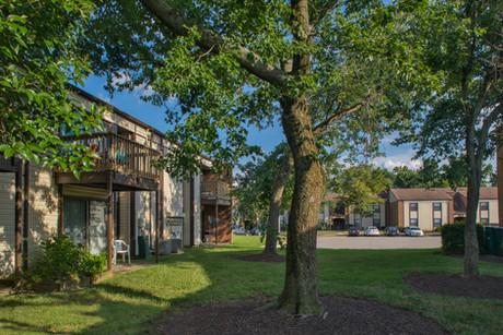 Pembroke Lake Apartments-20 (1).jpg