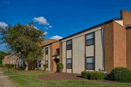 Pembroke Lake Apartments-22 (1).jpg