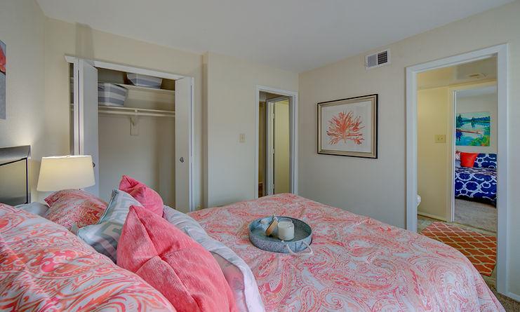 Pembroke Lake Apartments-27.jpg