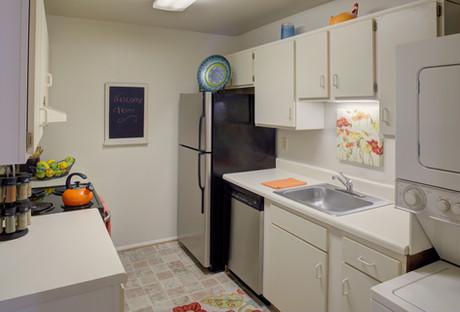 Pembroke Lake Apartments-29 (1).jpg