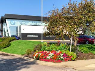 BMW Dealsership Seasonal Color Landscaping