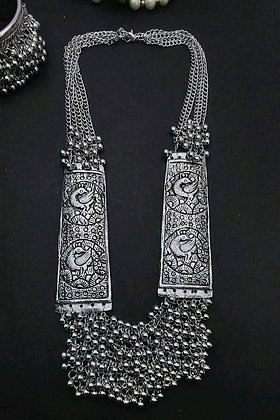 copy of Twinkling Bejeweled Women Necklaces & Chains