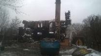 снос горелого дома Снос производим вручную и техникой.Демонтаж горелых домов с вывозом мусора.Снести горелый дом поможем за денб.Снести горелую дачу поможем в любом районе Московской области.