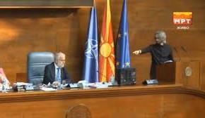 Жестока вербална расправија во Собранието меѓу спикерот Џафери и пратеникот Апасиев (ВИДЕО)