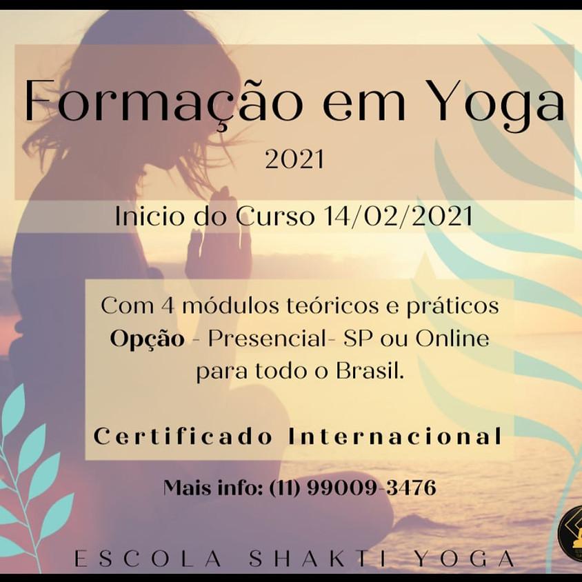 Curso Presencial ou Online: Formação em Yoga