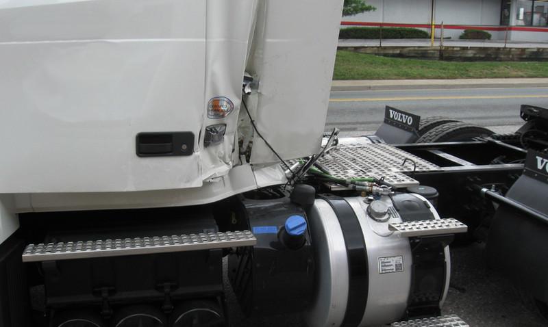 Volvo Jackknife Damages.jpg