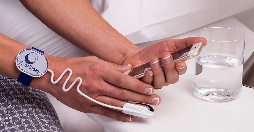 EverSleep device and mobile phone