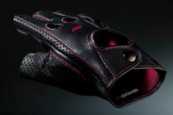 6_Gloves_03.jpg