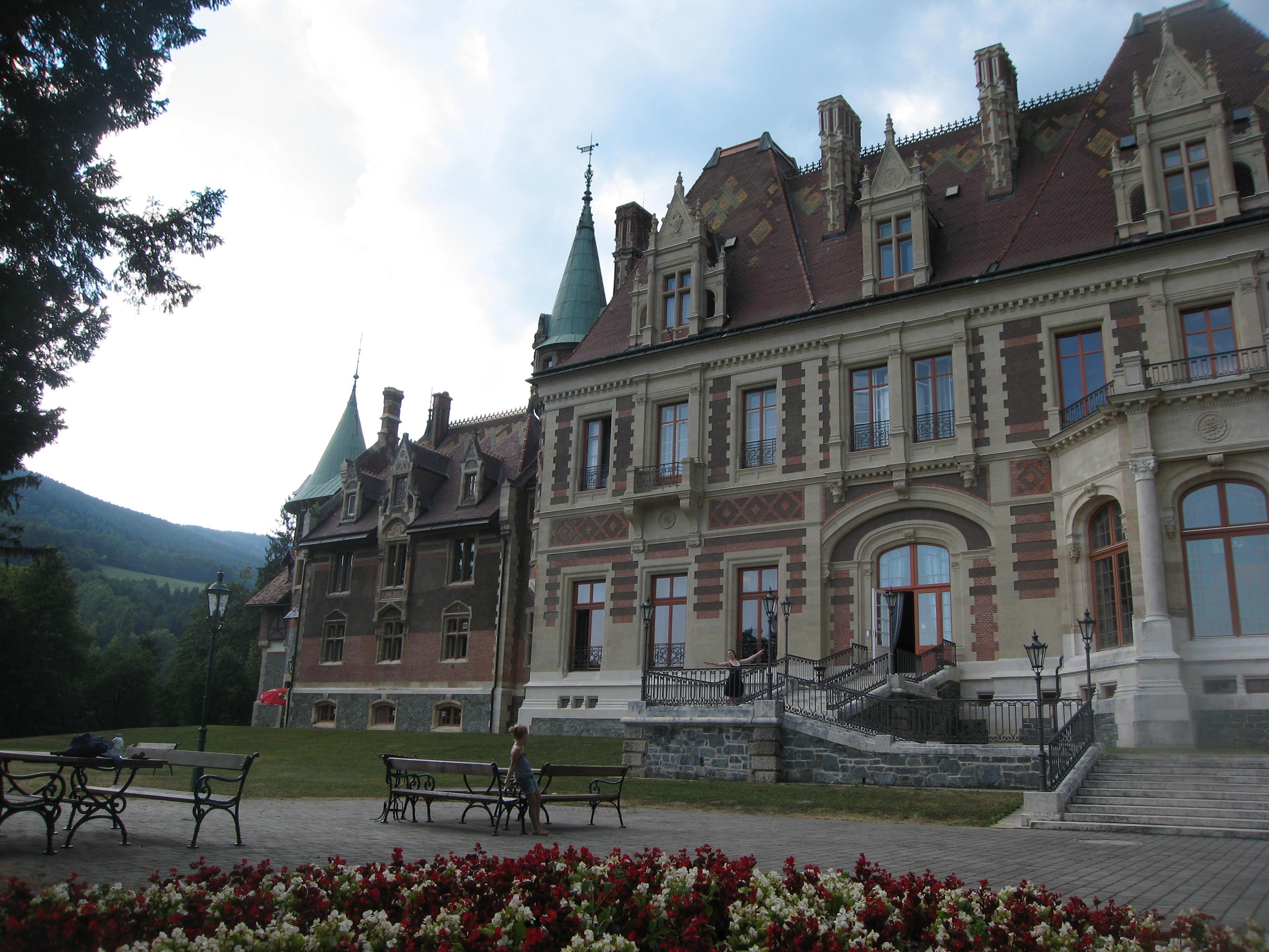 Rotschilde Castle