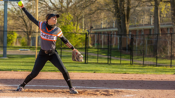 Softball Senior-921-cropped.jpg