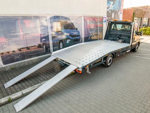 Laweta Iveco Daily 35S18, silnik 3 litry, 180 KM, 500x210, DMC 3,5 t., 2018r. Od 220 PLN /doba.