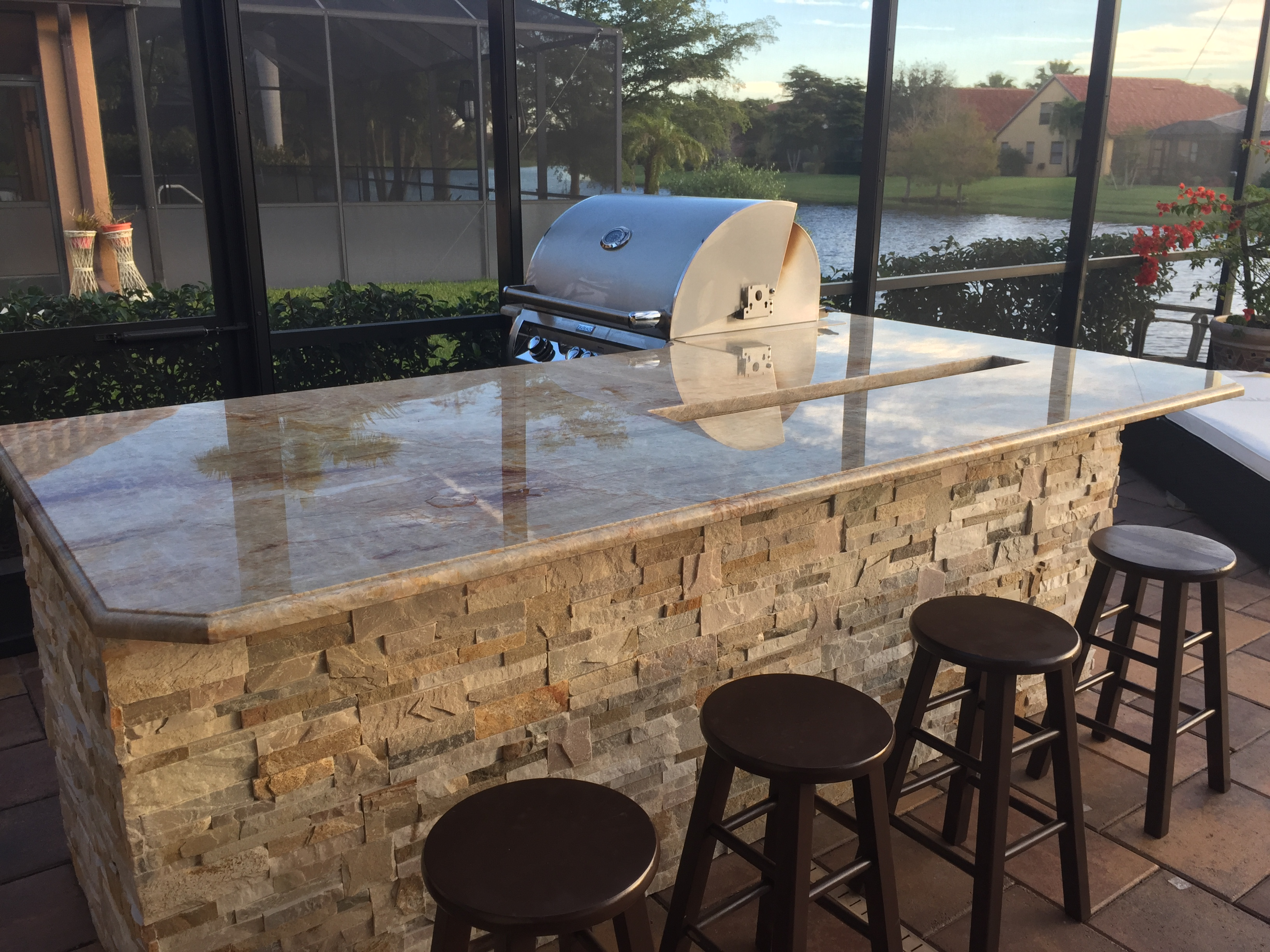 Outdoor kitchen countertop & grill