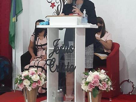 Noemia Rocha prestigia evento da Igreja Resgate de Vidas