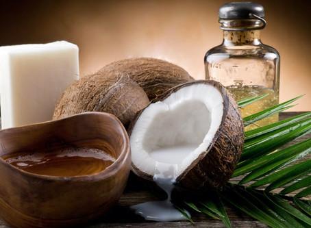 Sabão de coco: veja seus benefícios e receitas para fazer em casa