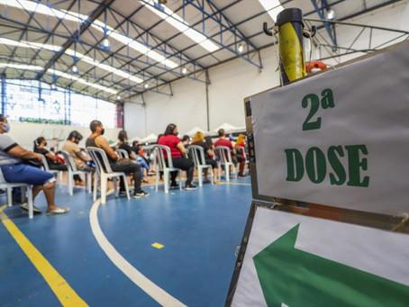 Curitiba divulga novo cronograma da segunda dose; veja quem pode se vacinar