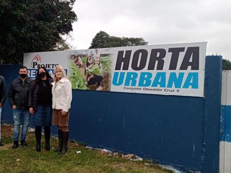 Noemia Rocha conhece horta urbana