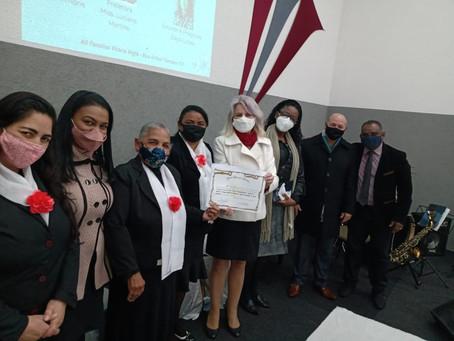 Noemia Rocha homenageia o Ministério Deborah