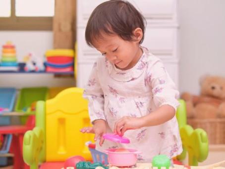 Crianças que brincam sozinhas desenvolvem habilidades fundamentais para a vida adulta