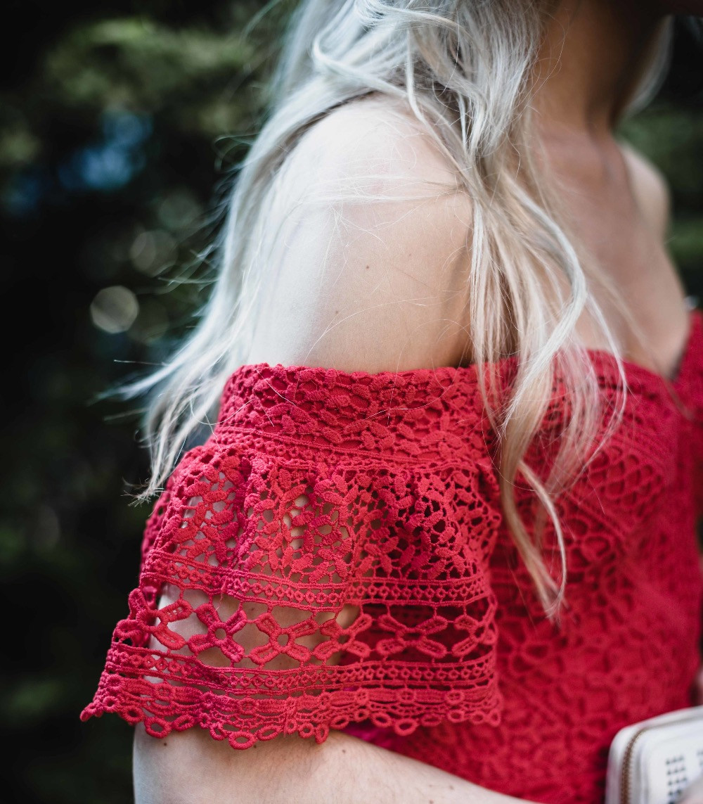 Red Lace Details