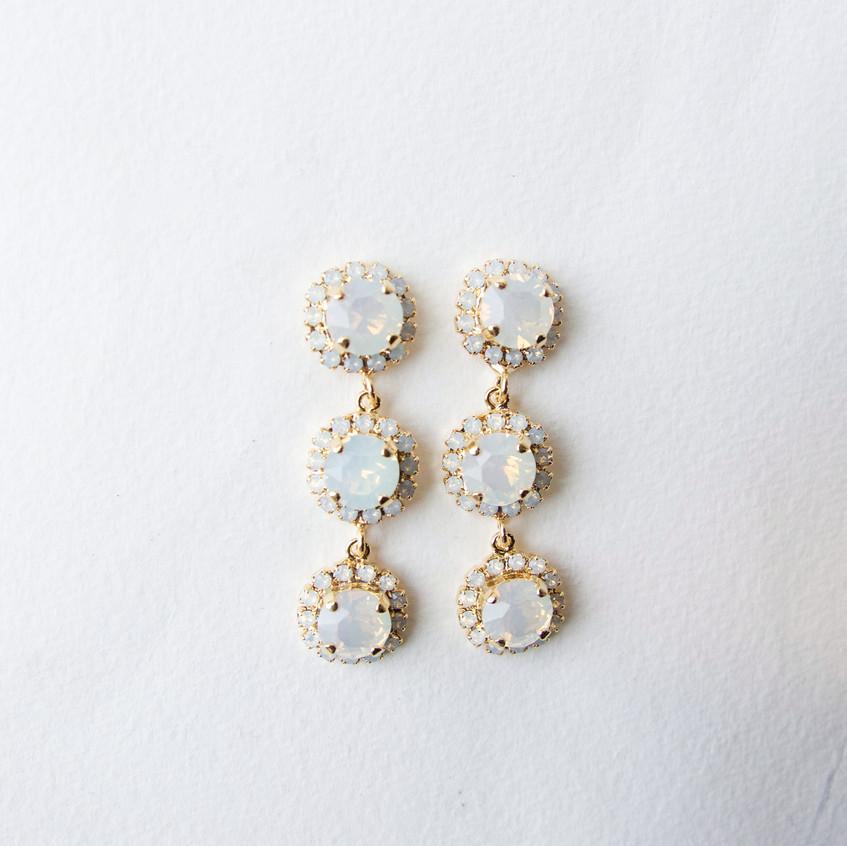 Jasmine Earrings White