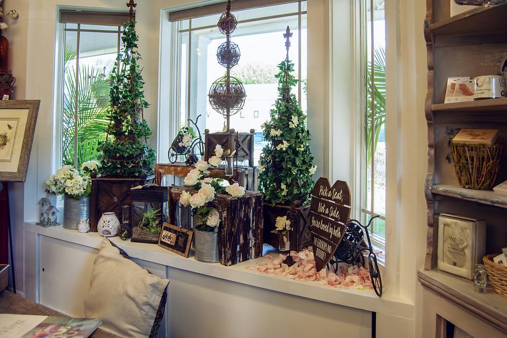 McKenzie Botanicals Florist, Maggie Valley, Daily Delivery