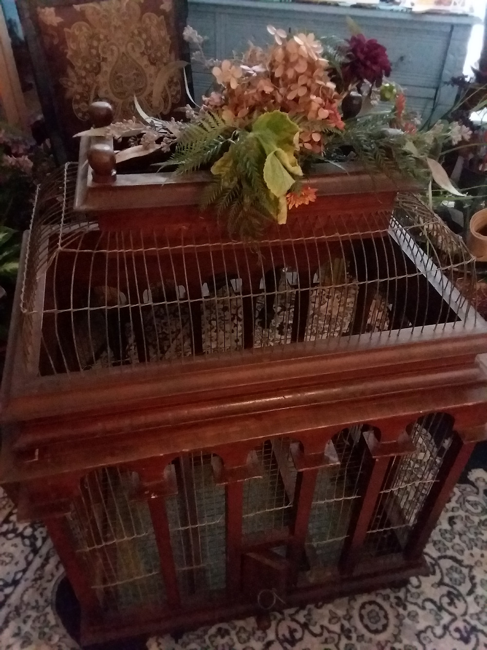 Bird Cage Rental, wedding props and wedding rentals