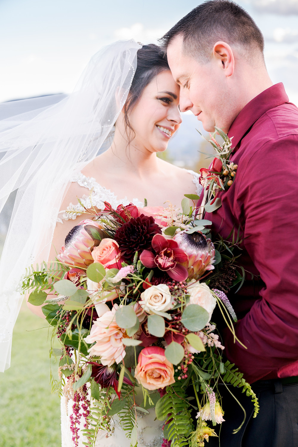 Custom Wedding Flowers, Laurel Ridge Country Club and Event Center, McKenzie Botanicals Flowers
