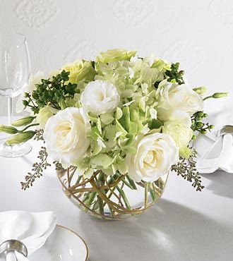 Round centerpiece, compact centerpiece, reception flowers
