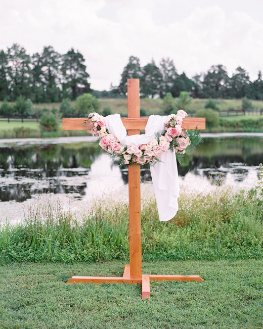 Wedding Cross, Cross Rental, Standing Cross image