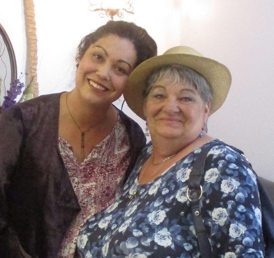Tina McKenzie with Artist Ruse Bryson