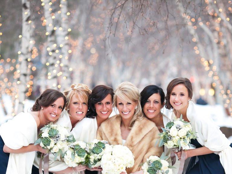 winter wedding, twinkle lights, romantic backdrops