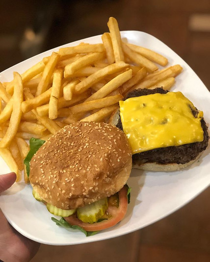 Yes please... Cheeseburger with fries...