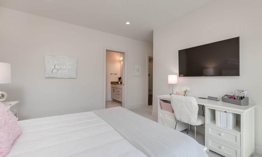 2nd bed 2.jpg