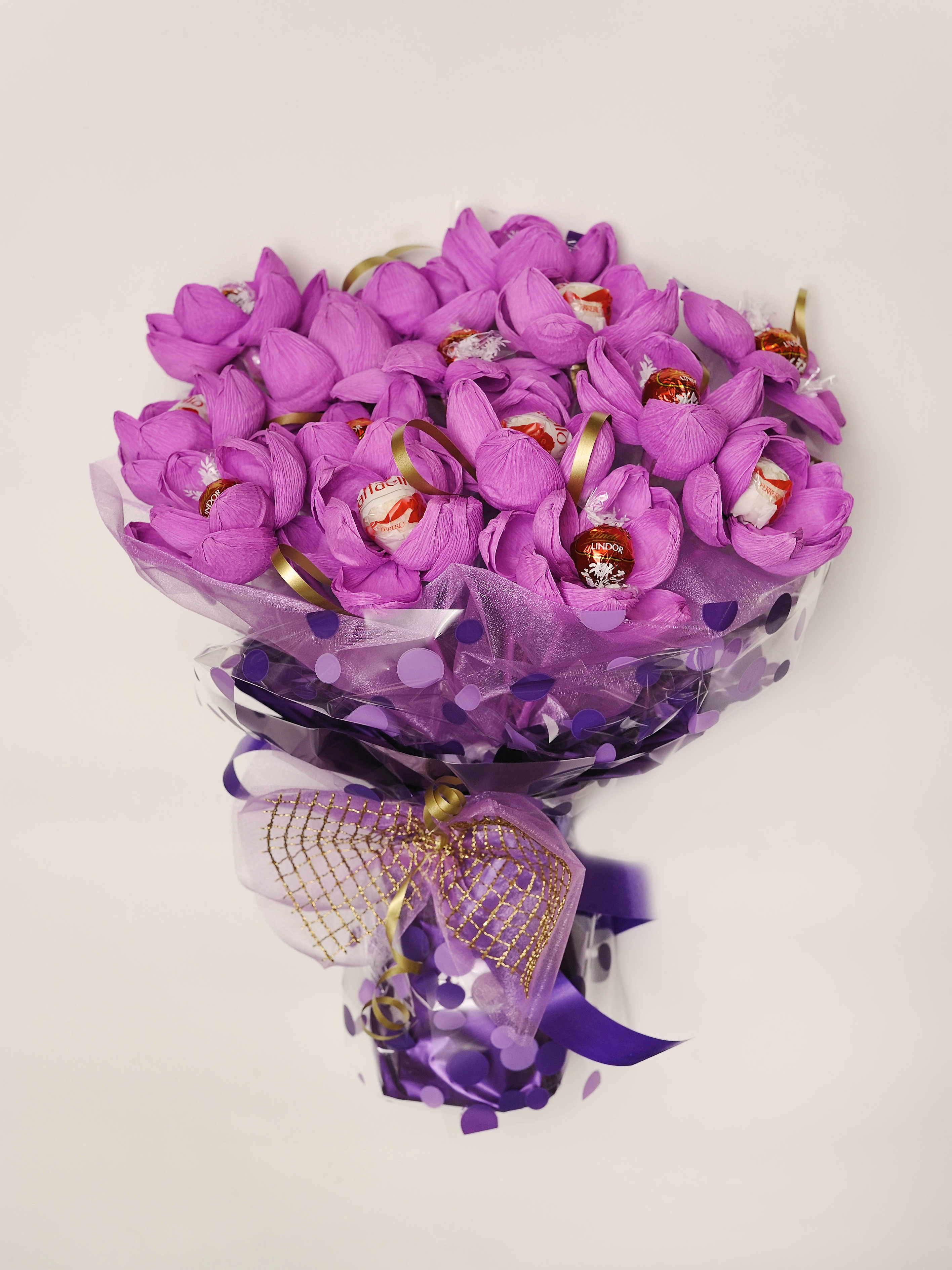 Luxury handmade choco bouquet vanygifts made in uk free chocolate bouquet a promise of a kiss izmirmasajfo