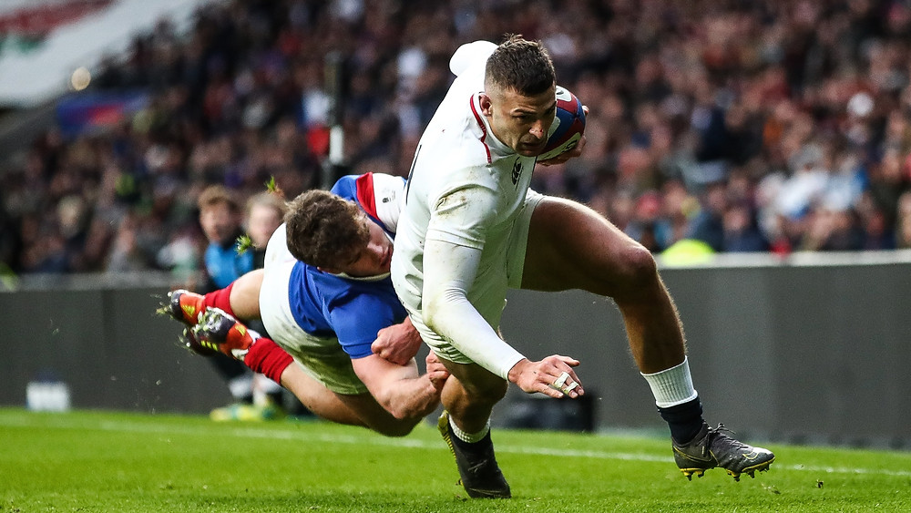 France playing England in the 6 Nations rugby tournament.