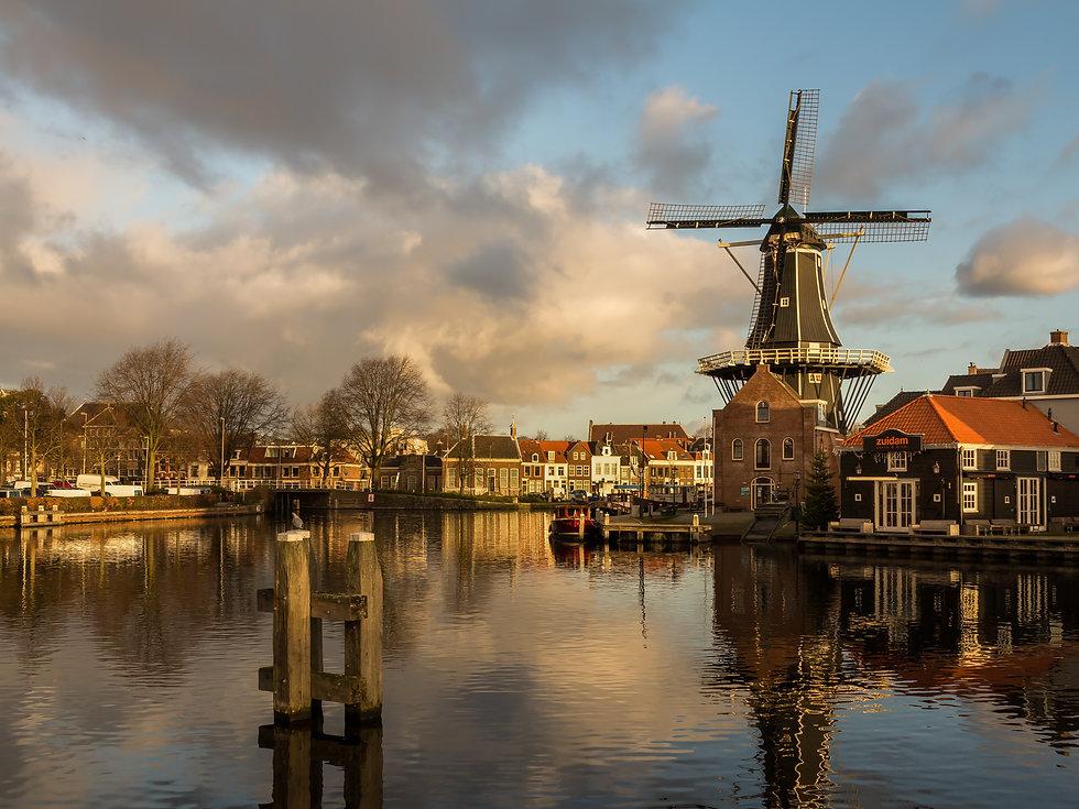 Haarlem,_molen_de_Adriaan_foto2_2015-01-